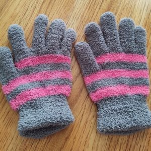 Grey/Pink Fuzzy Gloves.